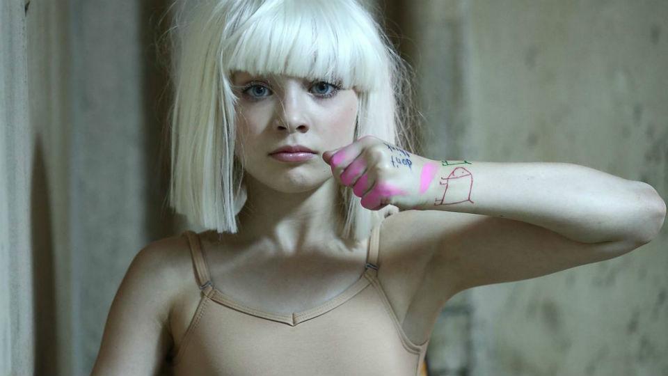 Maddie Ziegler, penari cilik dalam video klip Sia